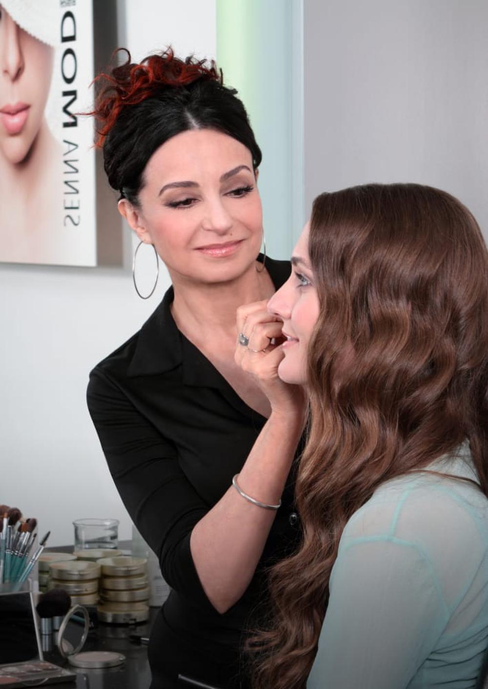 SENNA Cosmetics Makeup & Brow Studio