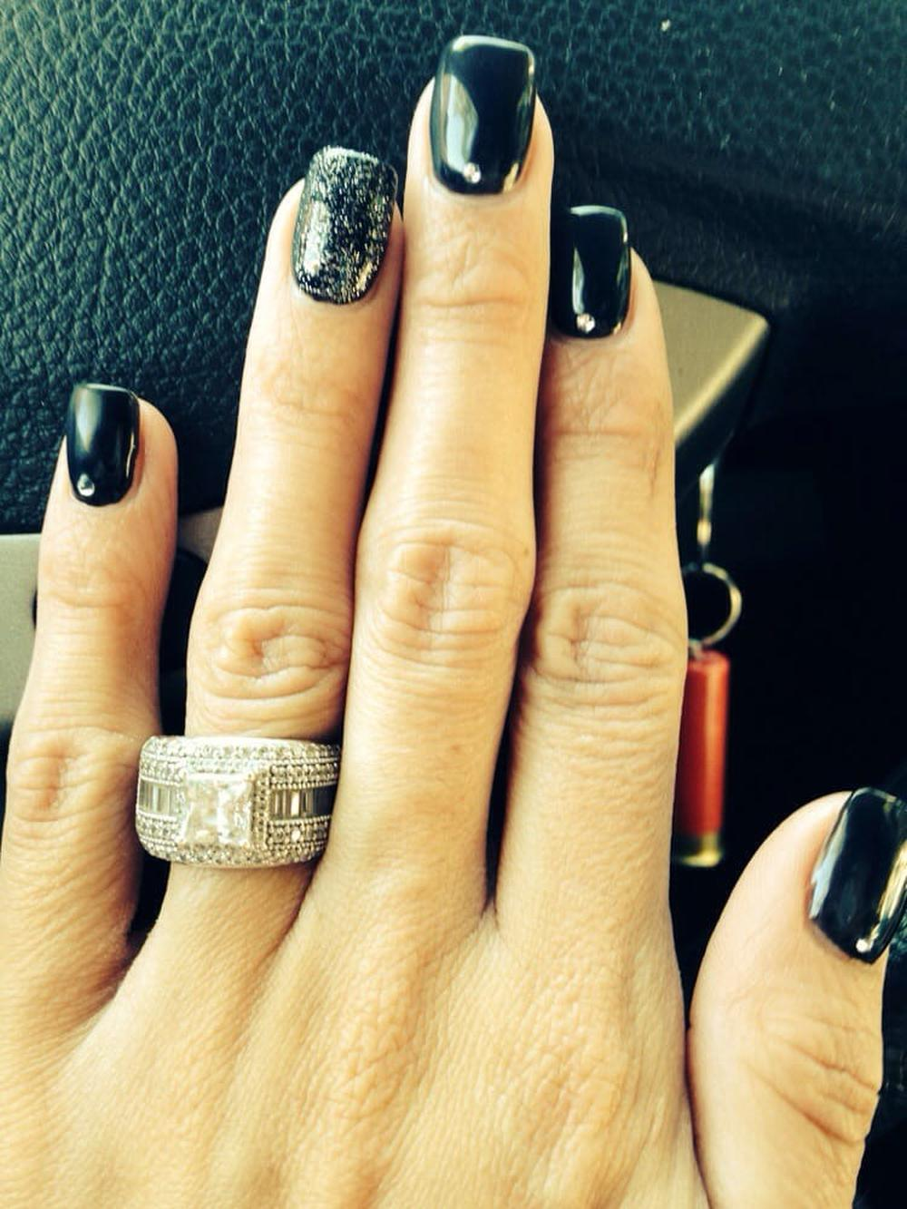 Sally Fashion Nails