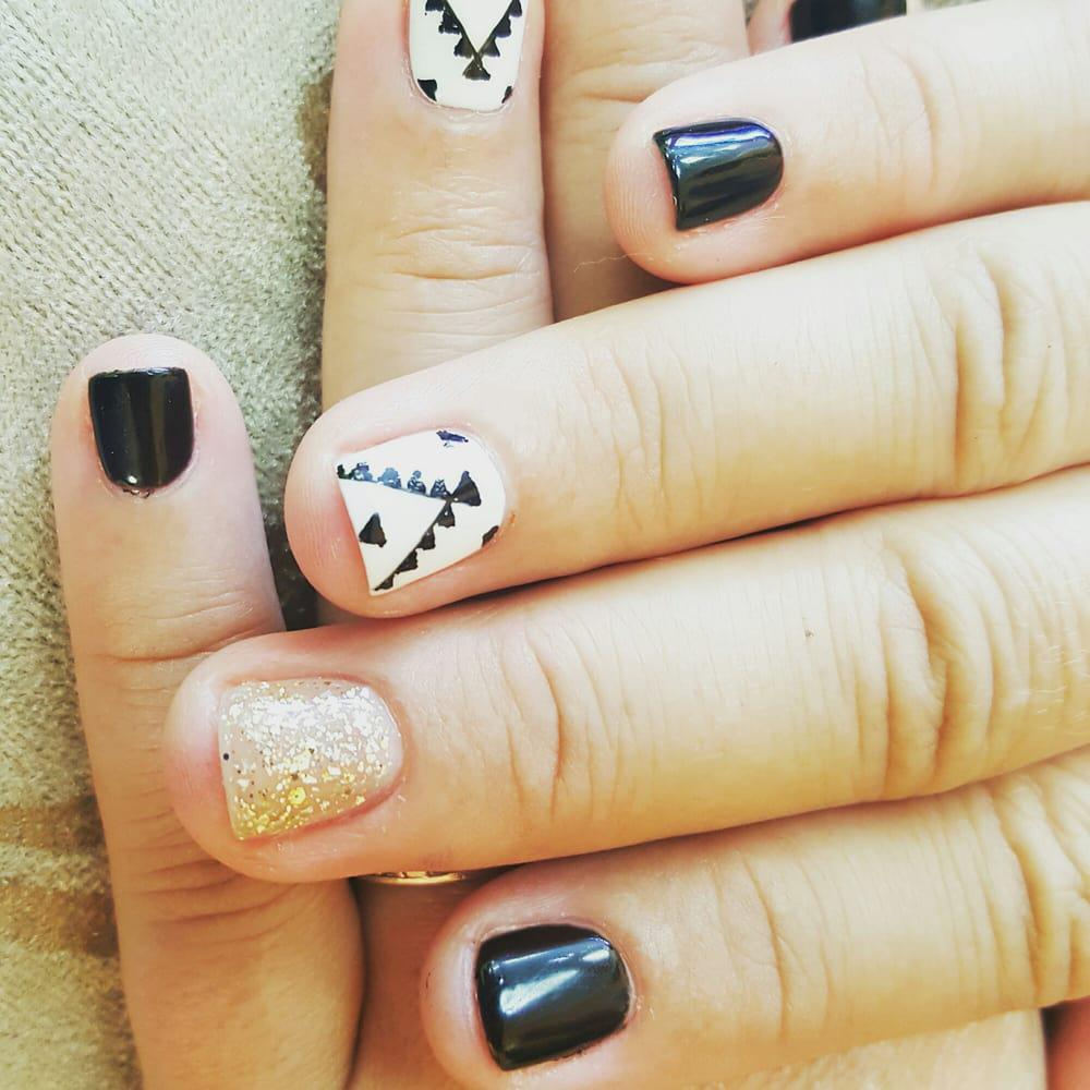 Nails To Adore