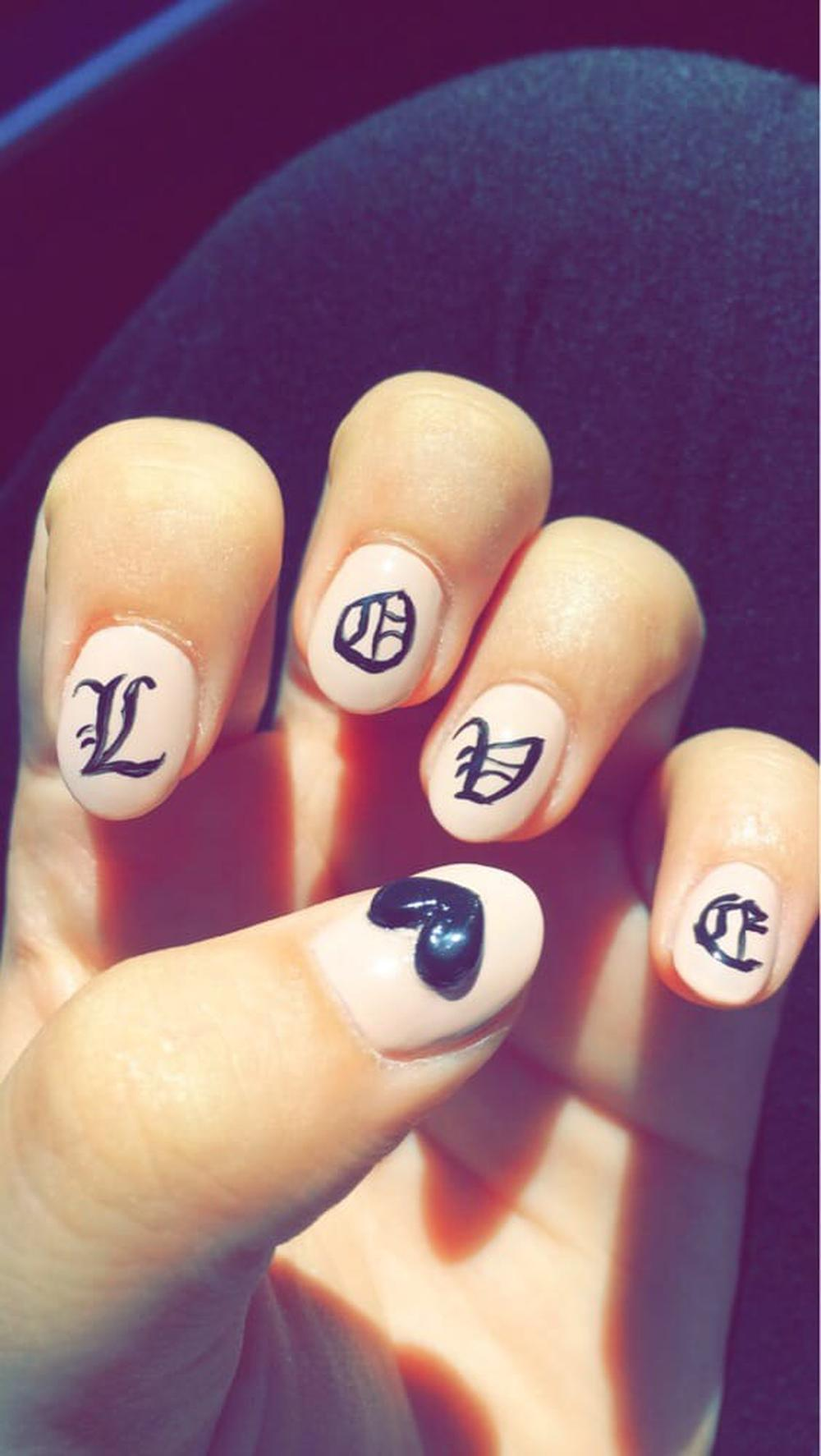 Deluxe Nails